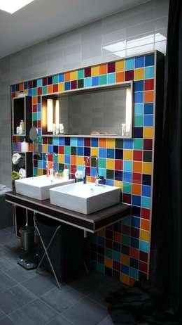 Verbouwing woonhuis Rosmalen: moderne Badkamer door JANICKI ARCHITECT