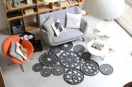 minimalistic Living room by Entre Led e Design