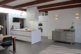 Uitbreiding woning Terschelling: moderne Keuken door Heldoorn Ruedisulj Architecten