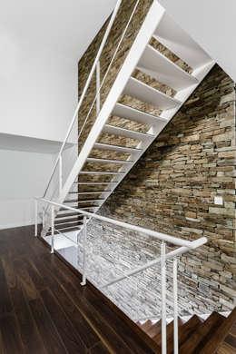 Projekty,  Ściany zaprojektowane przez ADOFF - Arquitetos