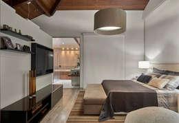 Quartos modernos por Isabela Canaan Arquitetos e Associados
