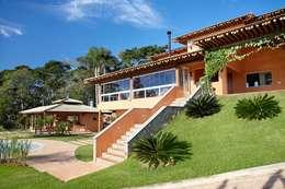 Fachada da área de lazer: Casas rústicas por Moran e Anders Arquitetura