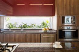 Cocinas de estilo moderno por Joana França