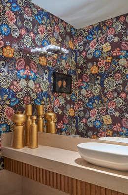 Apartamento ME: Banheiros modernos por Isabela Canaan Arquitetos e Associados