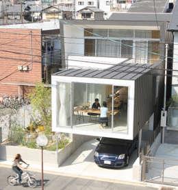 ミラボと実家 /a couples working studio & their parents home: 3--labが手掛けた家です。