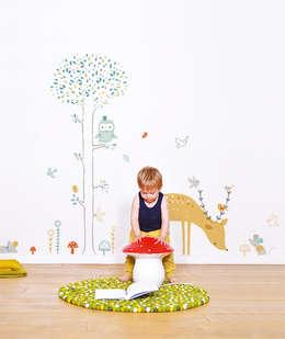 Woodland: Chambre d'enfants de style  par Lilipinso