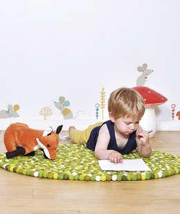Chambre forêt: Chambre d'enfants de style  par Lilipinso