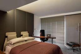 minimalistic Bedroom by GAVINHO Architecture & Interiors