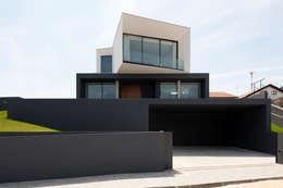 das haus mit tausend gesichtern. Black Bedroom Furniture Sets. Home Design Ideas