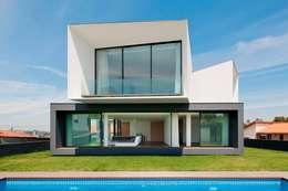casas de estilo minimalista por urban core