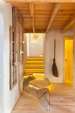 country Corridor, hallway & stairs by pedro quintela studio
