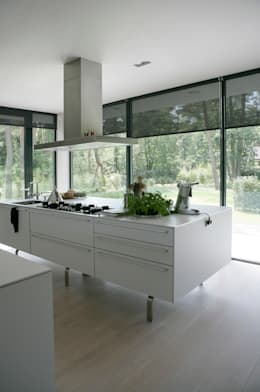 modern Kitchen by Maas Architecten