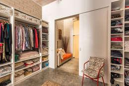 Closets de estilo moderno por homify