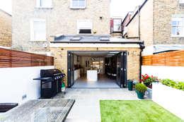 modern Garden by Affleck Property Services