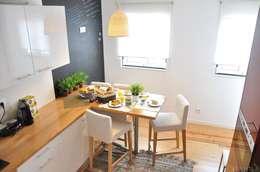 Cocinas de estilo moderno por G.R design