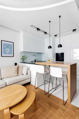 Ayuko Studio : minimal tarz tarz Yemek Odası