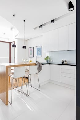 Cucina in stile in stile Minimalista di Ayuko Studio
