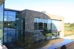 Le Moellon: Jardin de style de style Moderne par Luc Spits Architecture