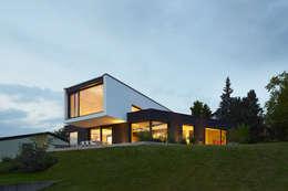 moderne Huizen door LEE+MIR