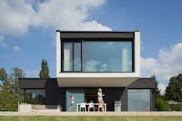 modern Houses by LEE+MIR
