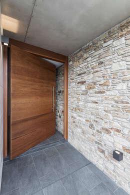 Portes d'entrée de style  par AD+ arquitectura