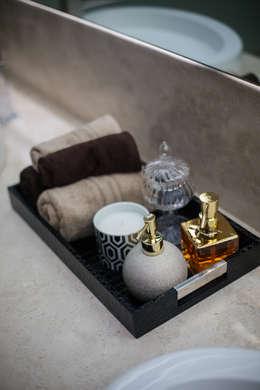 modern Bathroom by Dovela Interiorismo
