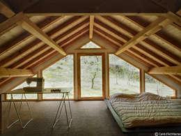 Maison MD: Chambre de style de style Moderne par CARRE d'ARCHITECTES