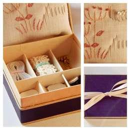 Mini costurero Flora: Hogar de estilo  por Almacén Feliz
