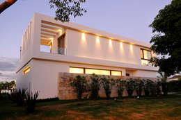 modern Houses by Ramirez Arquitectura