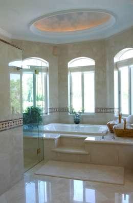 colonial Bathroom by VICTORIA PLASENCIA INTERIORISMO