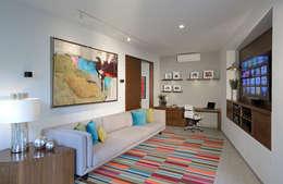 modern Living room by VICTORIA PLASENCIA INTERIORISMO