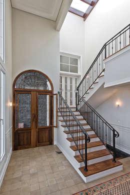 Corridor & hallway by UNION Architectural Concept