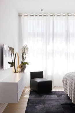 Appartement aan Zee: moderne Slaapkamer door Grego Design