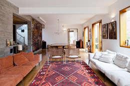 Salas de estilo moderno por Estúdio Paulo Alves