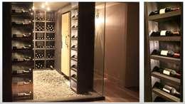 Maison - le Vésinet: Cave à vin de style de style Moderne par ARCHITECTURAL DECO