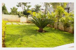 Villa at Appa Junction, Hyderabad.:  Interior landscaping by Happy Homes Designers
