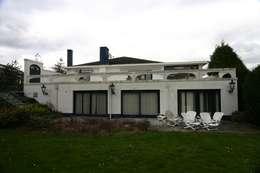 Restylen Villa te Essen:   door Vergouwen & Van Rijen architecten BNA BVBA