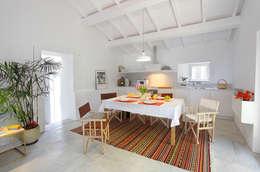 Sala de jantar: Salas de jantar modernas por MANUEL CORREIA FERNANDES, ARQUITECTO E ASSOCIADOS