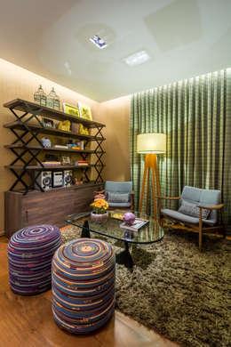 Salas de estilo moderno por Melina Mundim | Design de Interiores