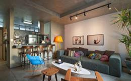 Salas / recibidores de estilo moderno por Dubal Arquitetura e Design
