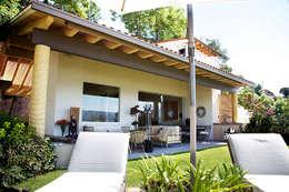 Terrazas de estilo  por Mayúscula Arquitectos