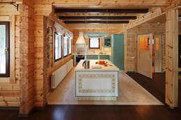 Деревянный дом Хонка в г.Пермь: Кухни в . Автор – Marina Pennie Design&Art