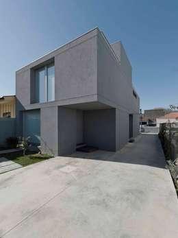 Jorge Domingues Arquitectos : modern tarz Evler