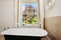 Perfect Stays: kırsal tarz tarz Banyo