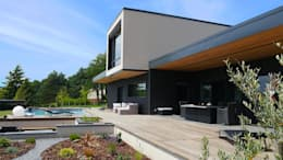 passé recomposé (Rhône): Maisons de style de style Moderne par atacama architecture