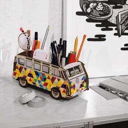 مكاتب العمل والدراسة تنفيذ Werkhaus Design + Produktion GmbH