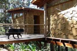Nhà by Cabana Arquitetos