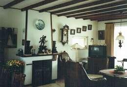 woonkamer van de woning voor aankoop:   door Mare Architectuur & Advies