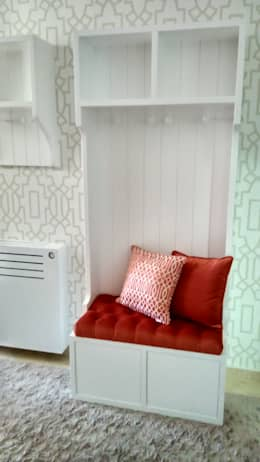 modern Corridor, hallway & stairs by Andreia Louraço - Designer de Interiores (Contacto: atelier.andreialouraco@gmail.com)