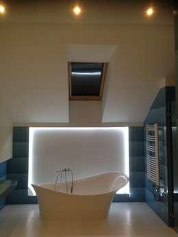 moderne Badkamer door Pracownia Projektowa Wioleta Stanisławska